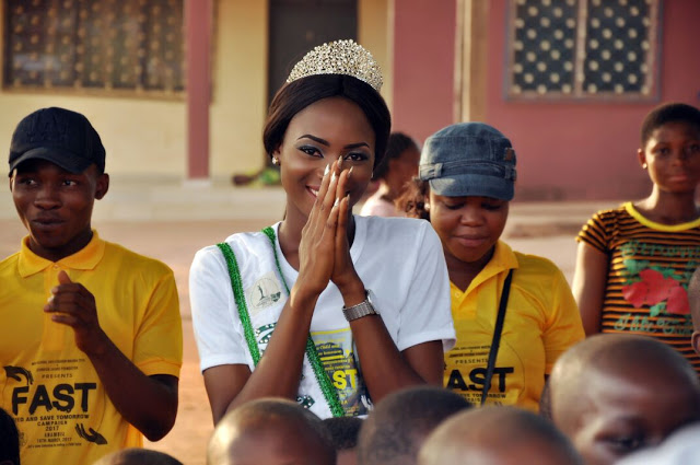Queen Jennifer Okorie feeds the less privileged kids and widows in Anambra