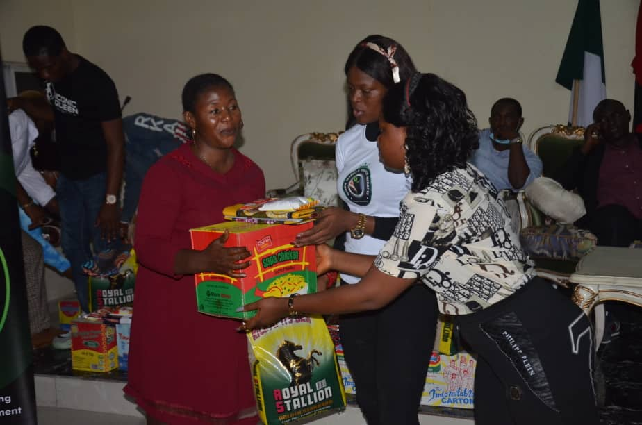 Nigerian beauty queen, Isabella okafor Donates relief materials to families of fallen military heroes