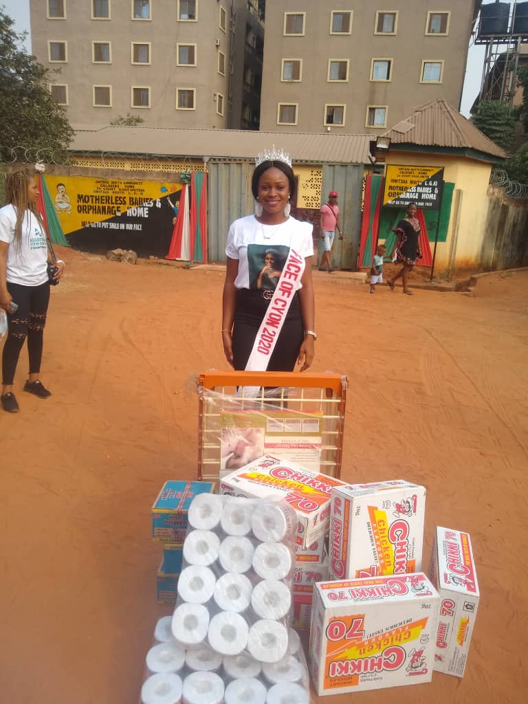 Birthday celebration: Queen Egbo Ifeoma Donates food items to orphanage home in onitsha, Anambra